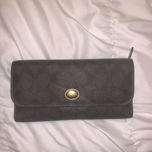 Coach dark brown wallet - LIKE NEW, used 1/2 times